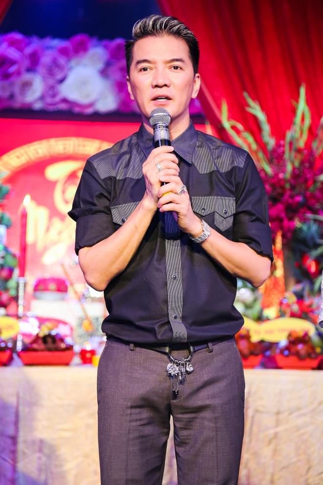 Dam Vinh Hung gio To o san khau anh 4