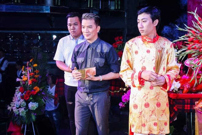 Dam Vinh Hung gio To o san khau anh 5