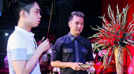 Dam Vinh Hung lan dau chu tri le gio To o san khau hinh anh