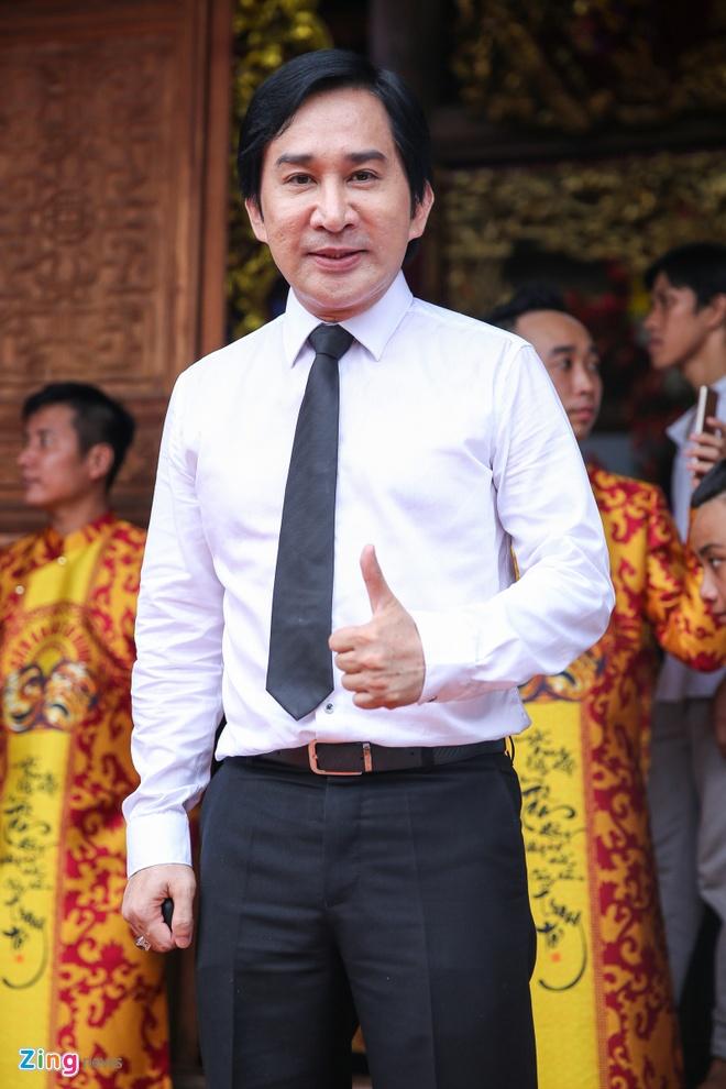Ba me Hoai Linh ve Viet Nam du le gio To nganh san khau hinh anh 15
