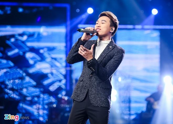 Thu Minh bi trach vi gianh ca khuc cua thi sinh Vietnam Idol hinh anh 1