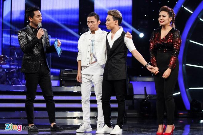 Thu Minh bi trach vi gianh ca khuc cua thi sinh Vietnam Idol hinh anh 3