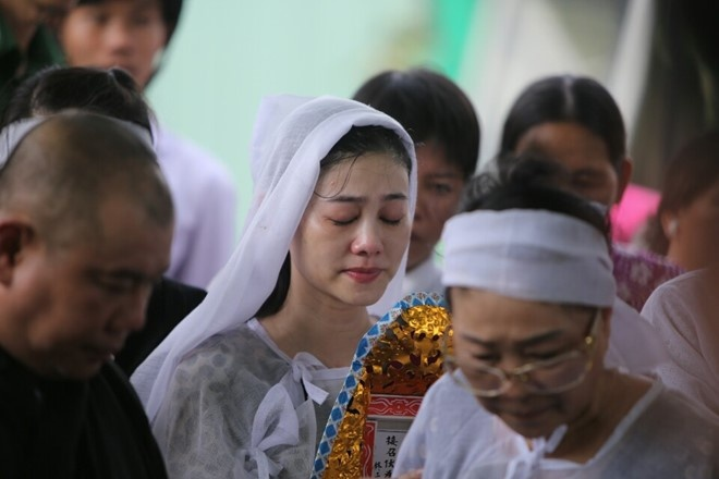 Que Tran khoc nuc no trong le an tang NSND Thanh Tong hinh anh 14