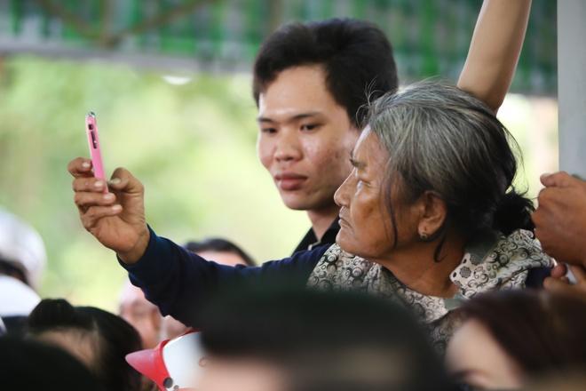 Dam tang NSND Thanh Tong anh 9