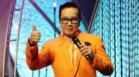 Elvis Phuong tai hien cac ban hit cua ban nhac Phuong Hoang hinh anh