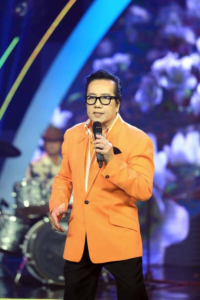 Elvis Phuong phong do tren san khau du 71 tuoi hinh anh 3