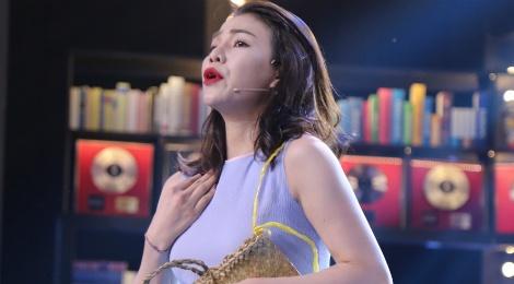 Tran Thanh che Tra Ngoc Hang hat tieng Anh nhu tieng Viet hinh anh
