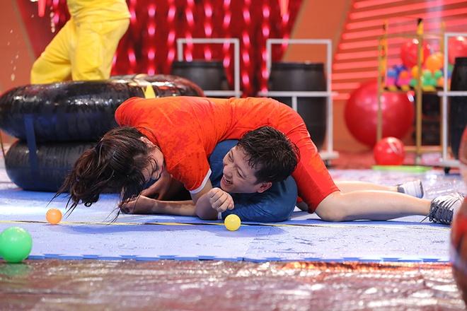 Truong Giang bat khoc trong game show hinh anh 8