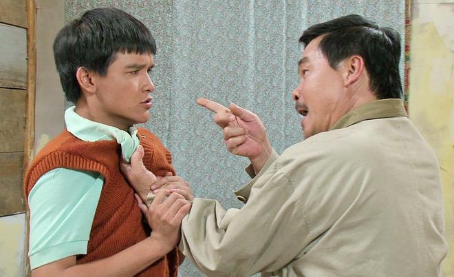 Vo Thanh Hoa bi cha ruot danh khi dien chung hinh anh 3