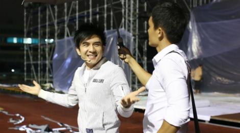 Dan Truong doi mua den tap live show cua Viet Huong hinh anh