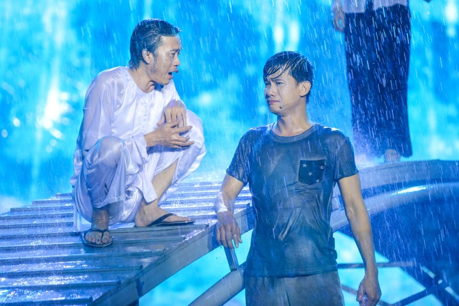 Live show 6 ty dong cua Viet Huong: Nuoc mat roi trong mua hinh anh 2