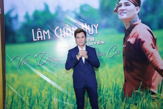 Lam Chan Huy ra mat album dan ca anh 1