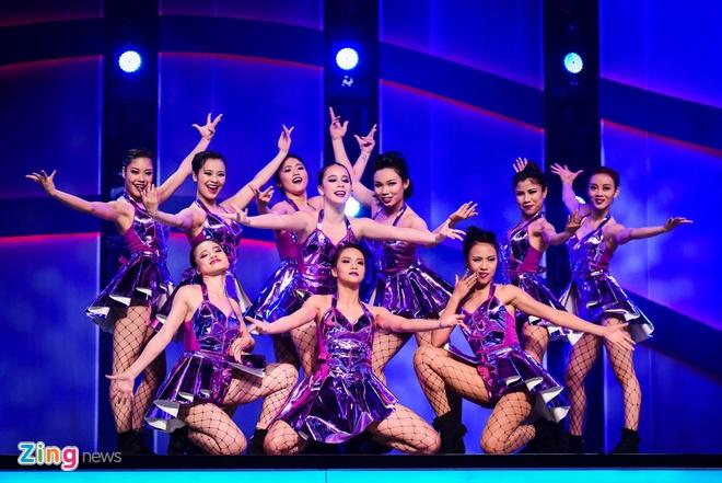 Quan quan Vietnam's Got Talent thi Thu thach cung buoc nhay hinh anh 11