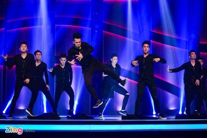 Quan quan Vietnam's Got Talent thi Thu thach cung buoc nhay hinh anh 12