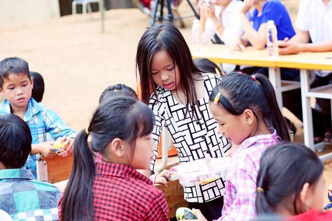 Viet Huong len vung cao lam tu thien sau live show 6 ty dong hinh anh 4