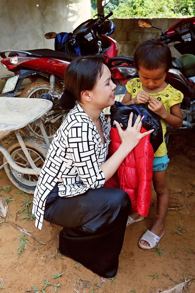 Viet Huong len vung cao lam tu thien sau live show 6 ty dong hinh anh 6