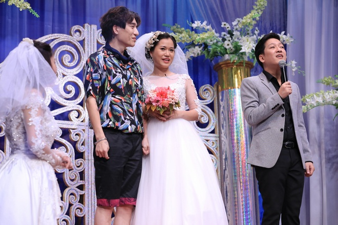 Hoai Linh che Tran Thanh 'duoi co' Ninh Duong Lan Ngoc hinh anh 10