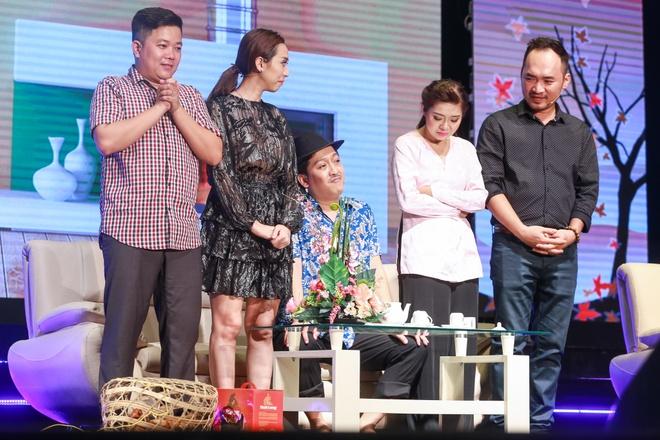 Nha Phuong xuat hien chop nhoang trong show Truong Giang hinh anh 5