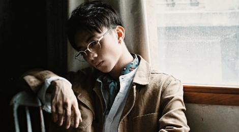 Cai bat tay cua Soobin Hoang Son - Tien Cookie 'gay bao' BXH hinh anh