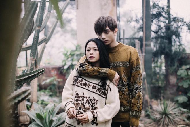 Soobin Hoang Son buon ba trong MV 'Phia sau mot co gai' hinh anh 3