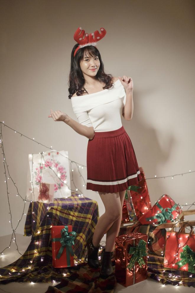 'Hot girl bolero' Jang Mi tung bo anh don Giang sinh hinh anh 1