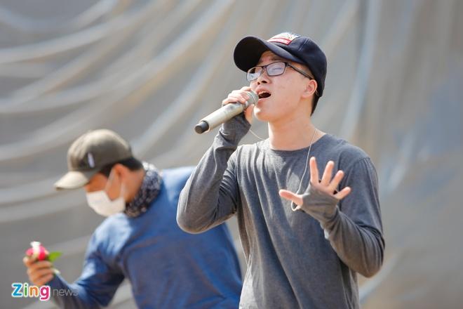 Ong Cao Thang dua Dong Nhi toi tong duyet Zing Music Awards hinh anh 6