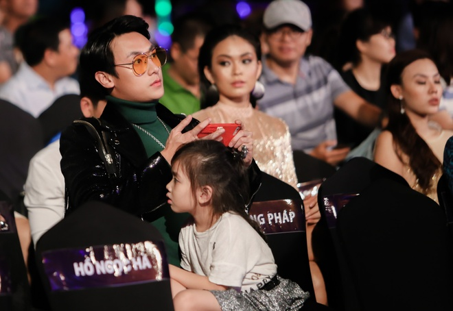 Rocker Nguyen: Chung to nang luc quan trong hon ngoai hinh hinh anh 2