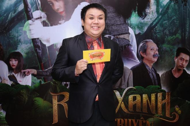 Fan vay quanh Hoai Linh tren tham do ra mat phim hinh anh 14