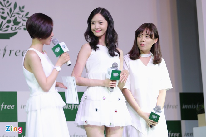Yoona (SNSD) den tre 2 tieng, xuat hien o hop bao 10 phut hinh anh 4