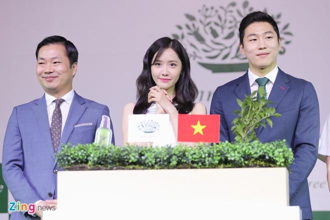 Yoona SNSD den Viet Nam anh 9