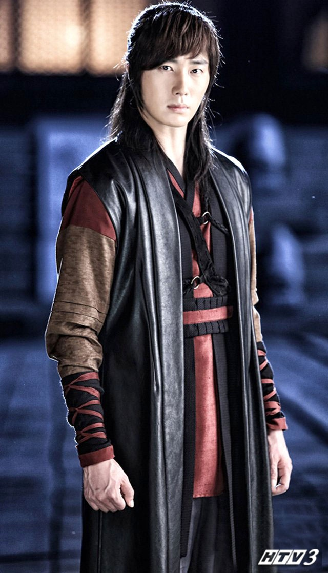 Jung Il Woo, Yunho (TVXQ) vao vai hiep si chong ma quy hinh anh 2