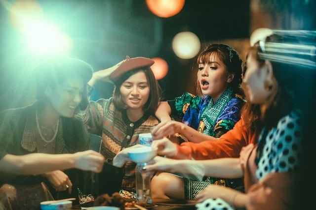 MV cua Bich Phuong bat ngo doi dau Son Tung M-TP tren BXH Zing hinh anh 1