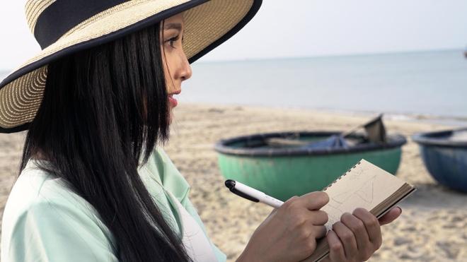 Soobin Hoang Son vat va hoc lai mo-to de quay MV hinh anh 6