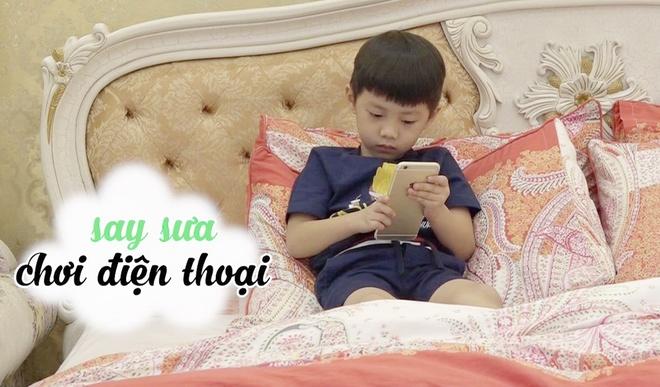 Con trai Dang Khoi 'nghien' dien thoai vi bo me ban ron voi cong viec hinh anh 1