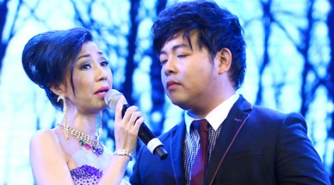 Ha My thay Minh Tuyet song ca voi Quang Le hinh anh