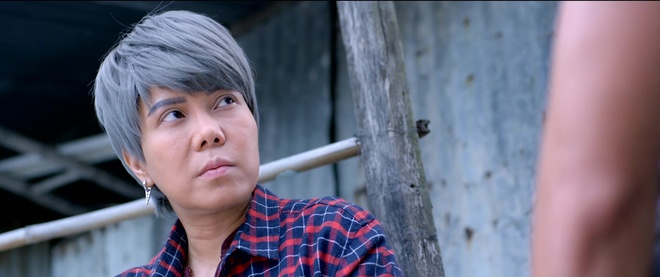 Viet Huong suyt ngat xiu sau canh danh nhau voi giang ho hinh anh 1
