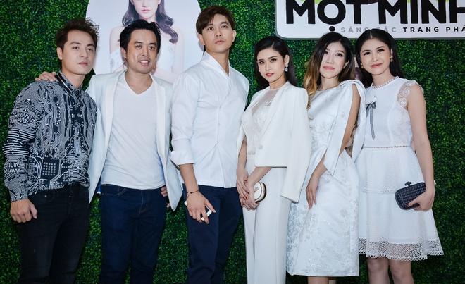 Trang Phap ra MV Dung de con mot minh anh 1