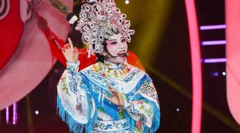 Hoc tro Dam Vinh Hung bi loai khoi Guong mat than quen hinh anh