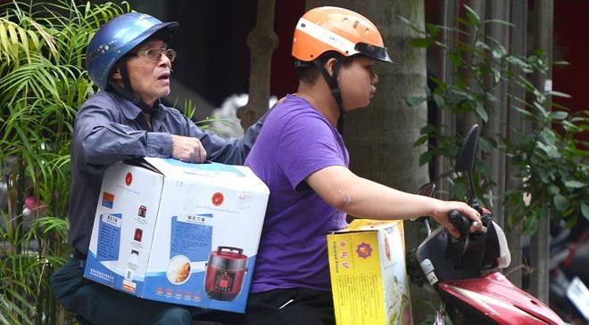 Dan dieu dung, Thien Ngoc Minh Uy 'bien hinh' thanh Nha Khac Lam? hinh anh