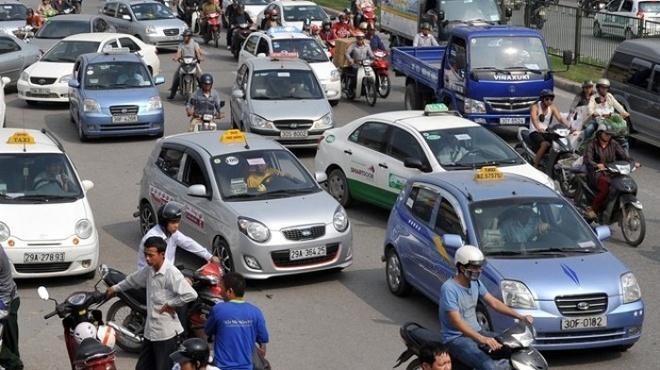 Taxi truyen thong: Chung toi dang 'chet' dan! hinh anh