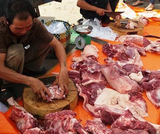 '100.000 dong 3 kg thit heo la chuyen khong the tuong tuong duoc' hinh anh