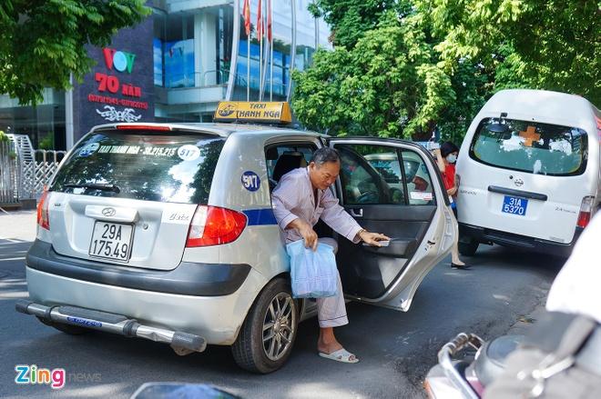 Tu nam 2025, taxi tai Ha Noi phai su dung chung mot mau son hinh anh 1