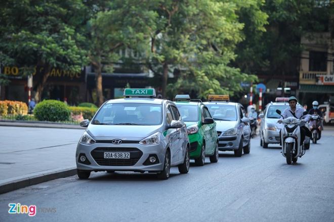 Tu nam 2025, taxi tai Ha Noi phai su dung chung mot mau son hinh anh 2