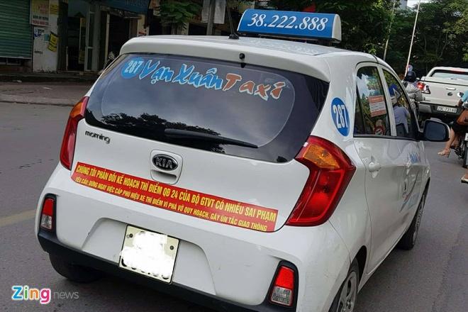 Ha Noi cung yeu cau taxi go bo khau hieu phan doi Uber, Grab hinh anh