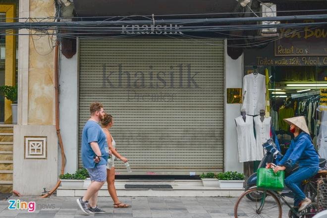 Khan 'Made in China' cua Khaisilk la do nhan vien tu nhap? hinh anh