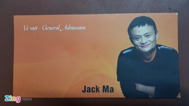 Giay moi nghe Jack Ma noi chuyen o Viet Nam duoc rao ban tien trieu hinh anh
