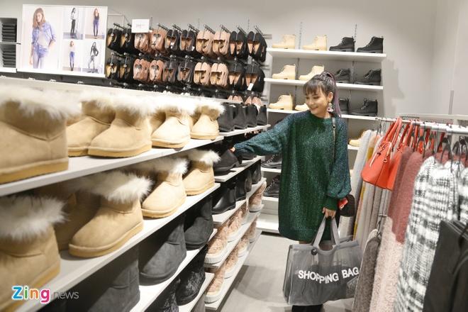 Cua hang H&M dau tien tai Ha Noi co gi khac voi Sai Gon? hinh anh