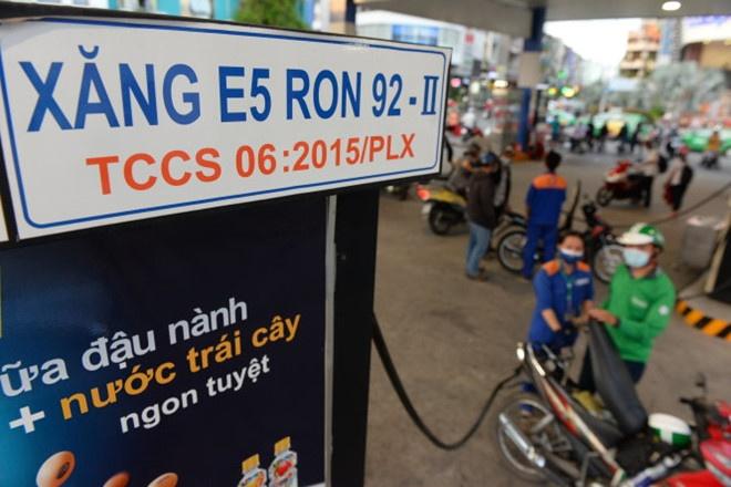 Bo Cong Thuong: Xang A92 se khong con tren thi truong tu 1/1/2018 hinh anh