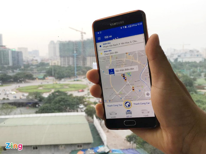 Trinh nghi dinh moi quan ly Uber, Grab: Phai dan logo o kinh xe hinh anh