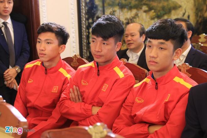 Mang ca lo dat, 1 ha cao su dau gia ao, bong co chu ky U23 Viet Nam hinh anh